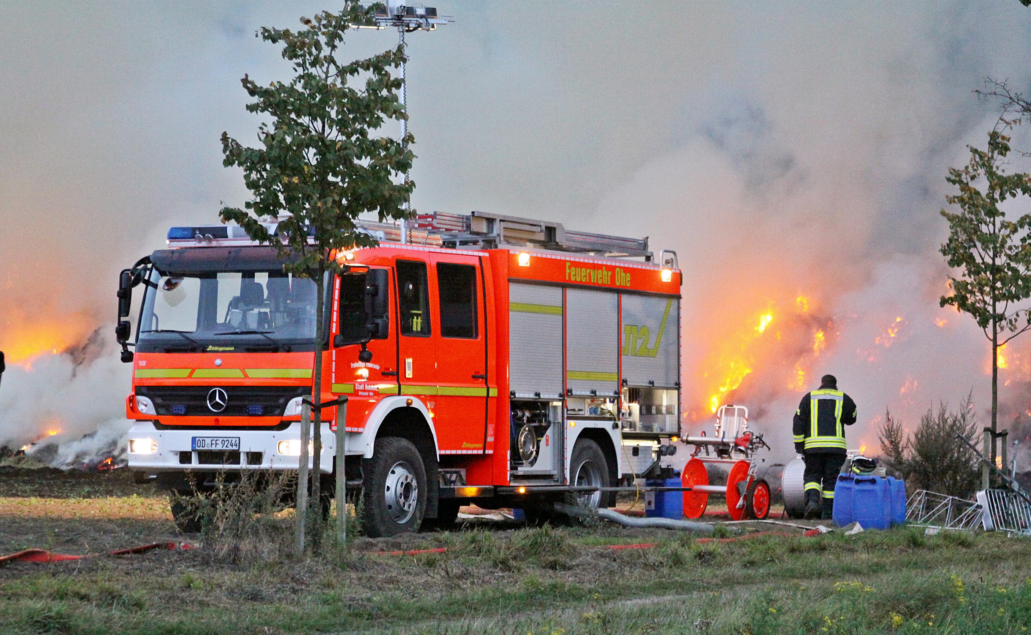 Feuer 800 Quaderballen Reinbek.Silk 058